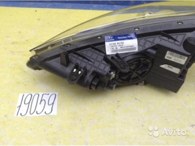 Hyundai i30 Фара правая ксенон в сборе с блоком