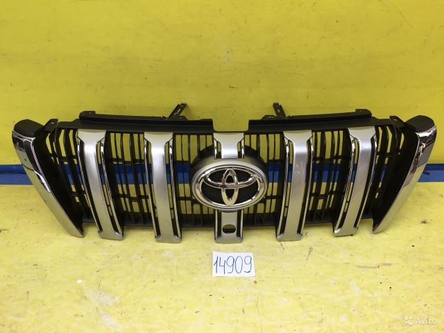 Toyota Prado 150 Решетка радиатора под камеру