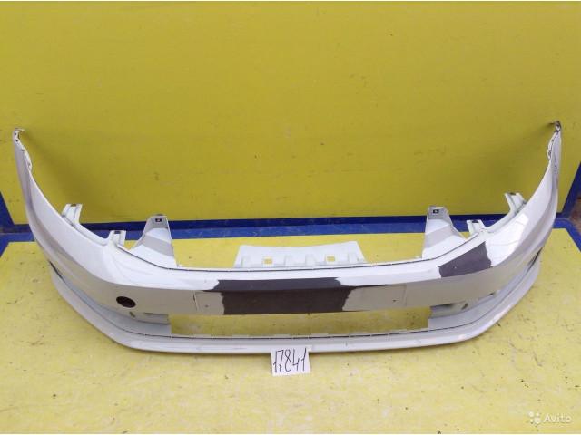 Volkswagen Polo Бампер передний