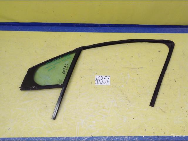 Peugeot 308 Форточка двери передний левый
