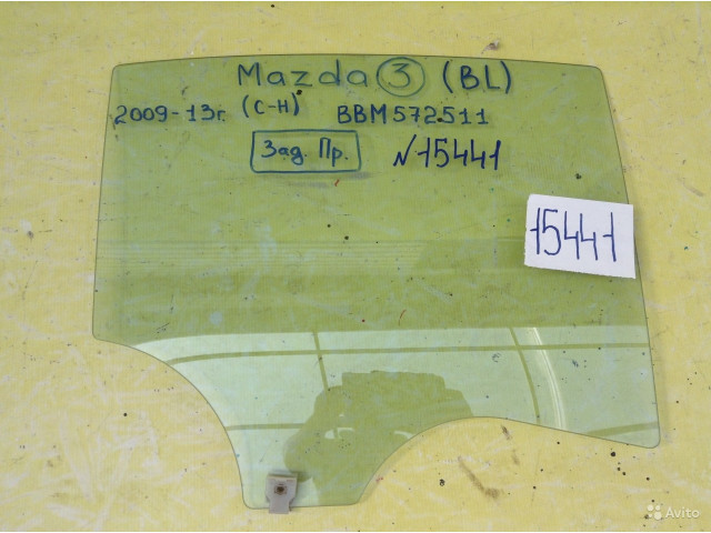 Mazda 3 BL седан Стекло заднее правое