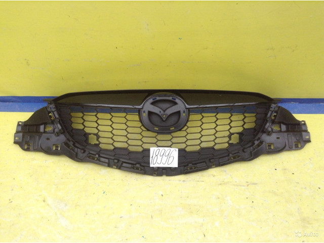 Mazda CX5 Решётка радиатора до реставрации