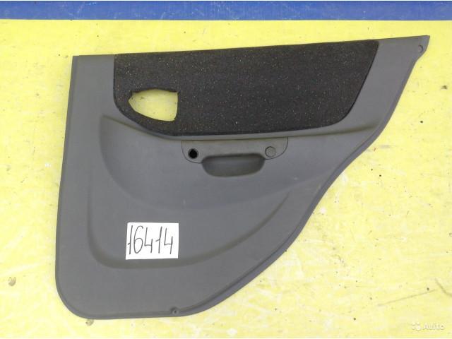 Hyundai Accent Обшивка двери задняя правая