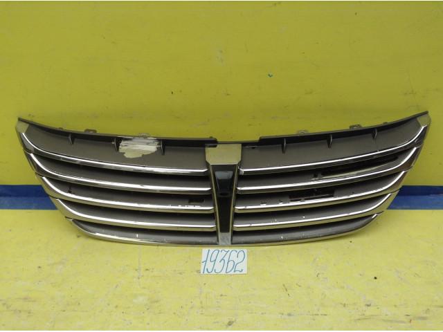 Hyundai Equus решетка радиатора под камеру